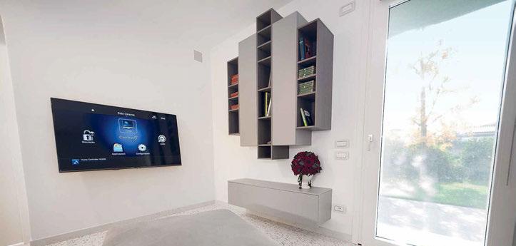 una delle nove postazioni TV Samsung installate nella casa