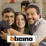 """""""Via Watt 16"""": con la sitcom BTicino spiega alle famiglie i vantaggi della casa smart"""
