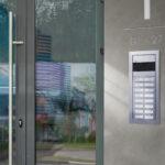 Comelit lancia ULTRA: LA NUOVA PULSANTIERA modulare