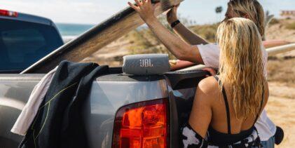 Speaker portatili JBL: la tua colonna sonora, ovunque ti porti l'estate