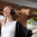 Sony amplia la gamma di cuffie wireless con i modelli WF-C500 e WH-XB910N